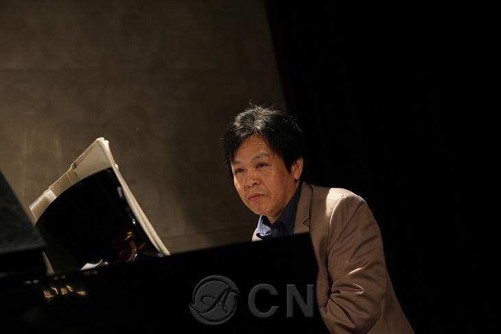 모든 이에게 위로가 되는 드라마틱한 피아노 선율, 드라마틱한 인생